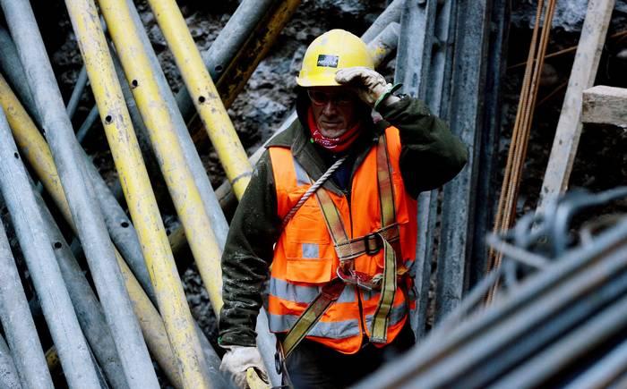 Sistema alternativo: medio sueldo al año como indemnización laboral