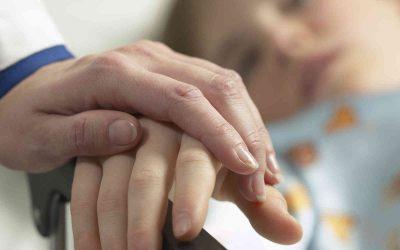 Ley Sanna amplía cobertura para menores con enfermedades terminales