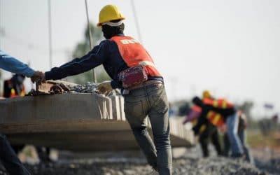 8 de 10 trabajadores con contrato en Chile son migrantes